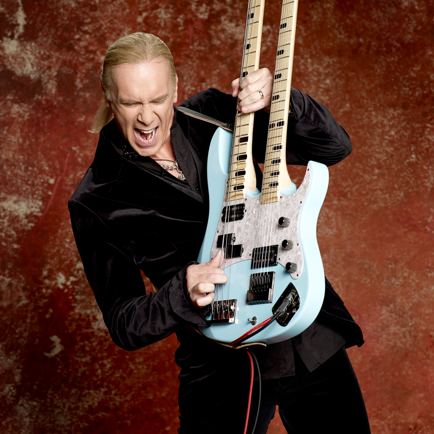 Billy Sheehan photo by Larry DiMarzio