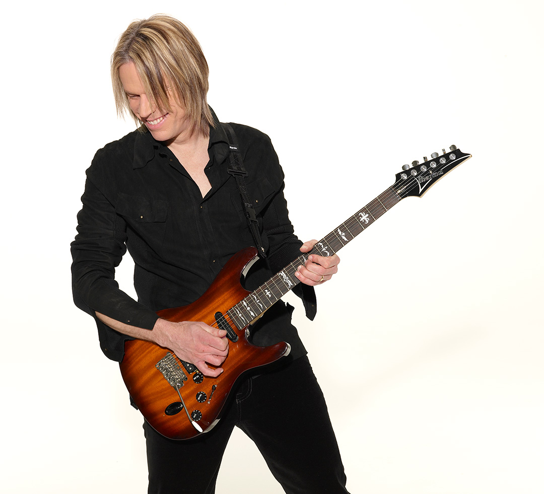 Andy Timmons plays DiMarzio