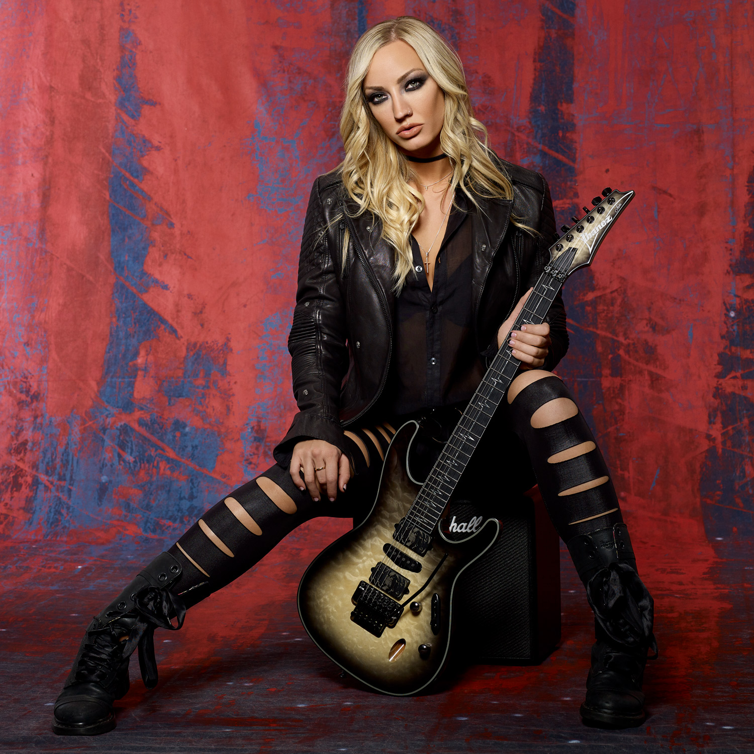 Nita Strauss photo by Larry DiMarzio