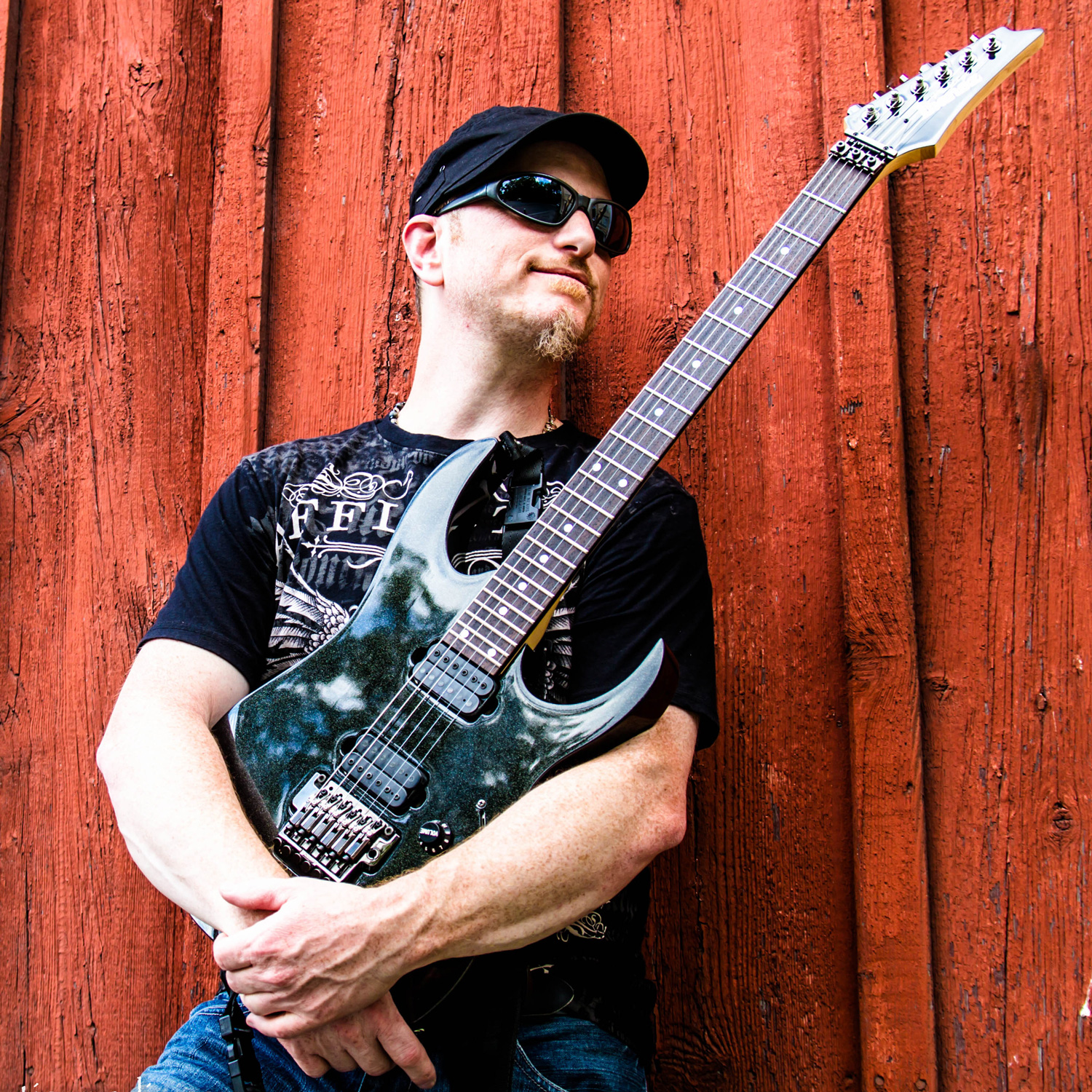 Tom Martini plays DiMarzio