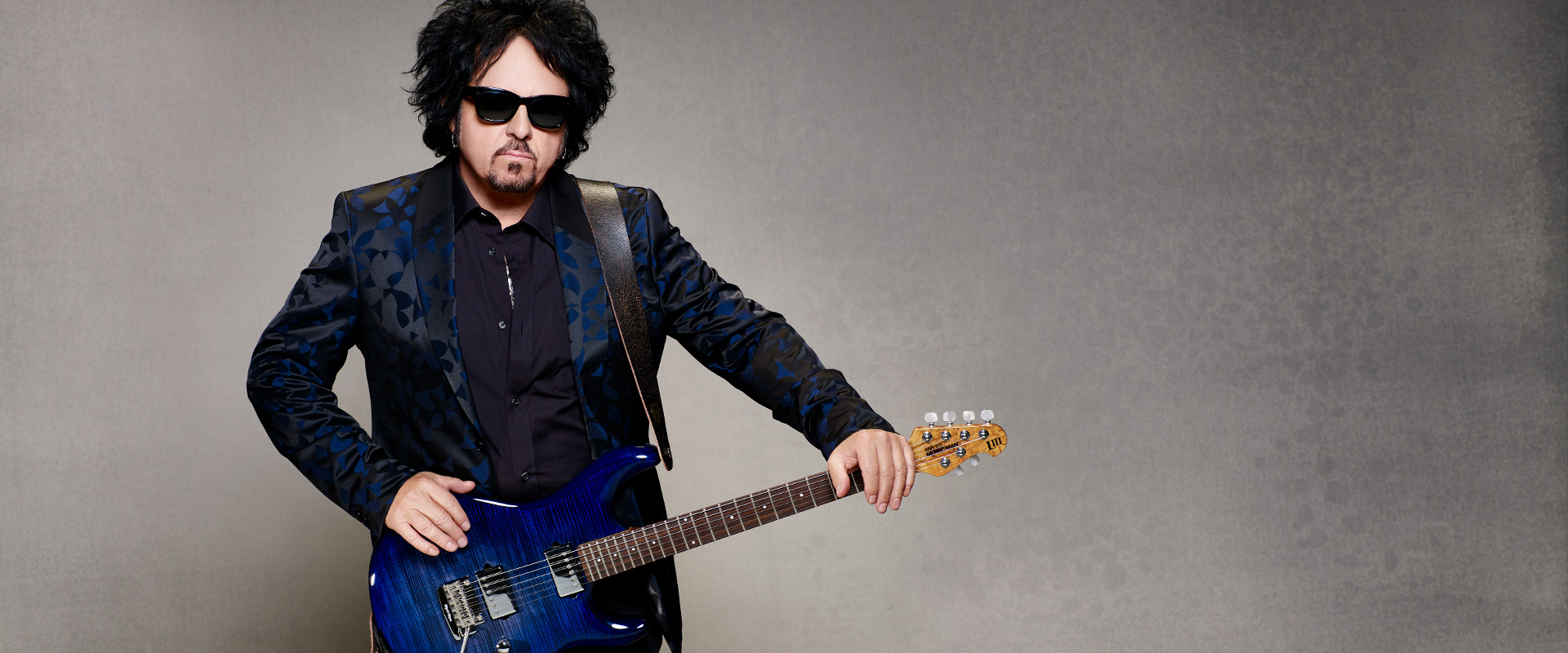 Steve Lukather plays DiMarzio