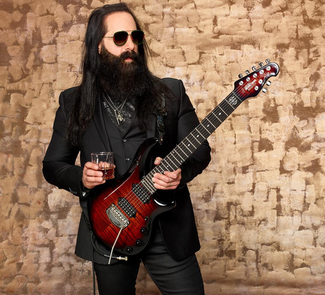 John Petrucci plays DiMarzio